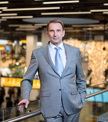 André van den Berg Executive Vice President & Chief Commercial Officer Schiphol Group