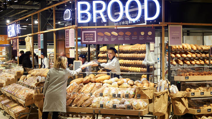 fresh bread, food is everywhere smartretail trends